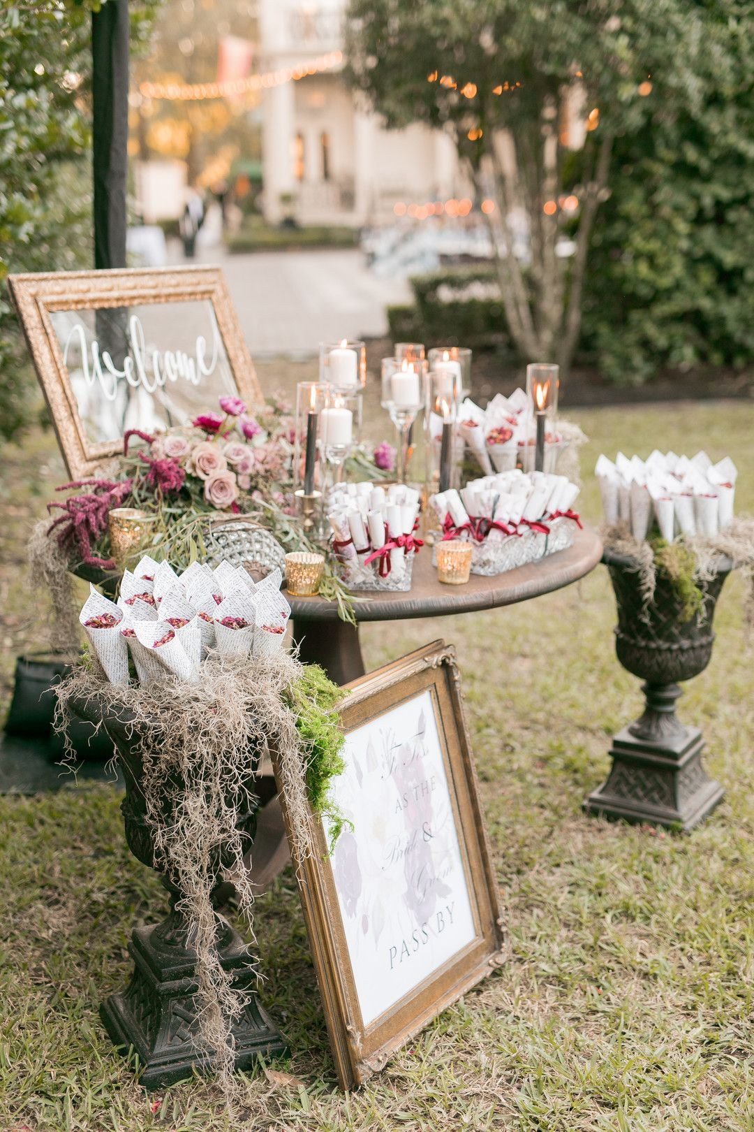 Dramatic Luxury Outdoor Wedding In New Orleans Strictly Weddings Wedding Welcome Table Outdoor Wedding Strictly Weddings