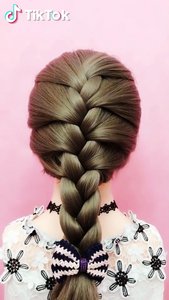 Super Easy To Try A New Hairstyle Download Tiktok Today To Find More Amazing Videos Also You Can Post Videos To S Hair Videos Hair Styles Long Hair Styles