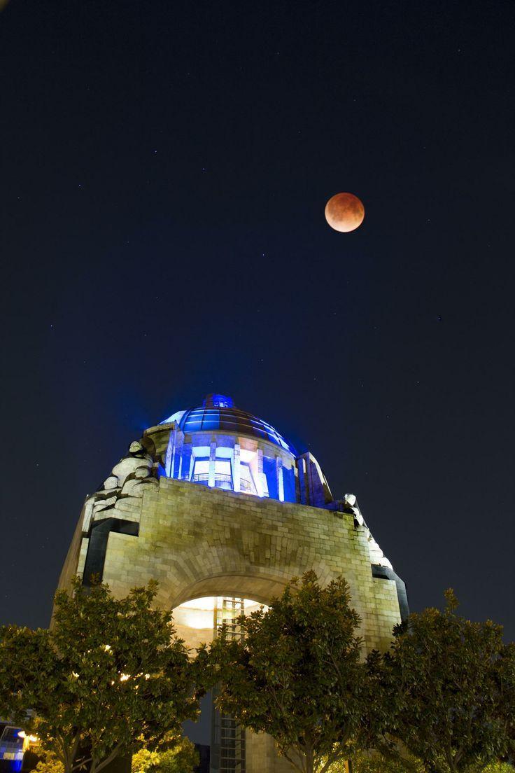 Monumento A La Revoluci N Ciudad De M Xico Enmarcada Con Una  # Muebles Luna Cd Obregon Sonora
