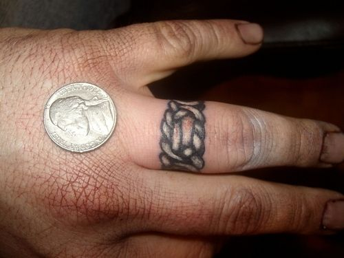 Irish rose tattoo on finger bing images irish rose for Celtic ring tattoos