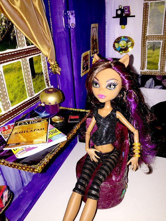Monster High Haus Violett Zimmer Mit Mobeln 5115004 Inkl Original Puppe Clawdeen Wolf Puppenmobel Sofa Bett