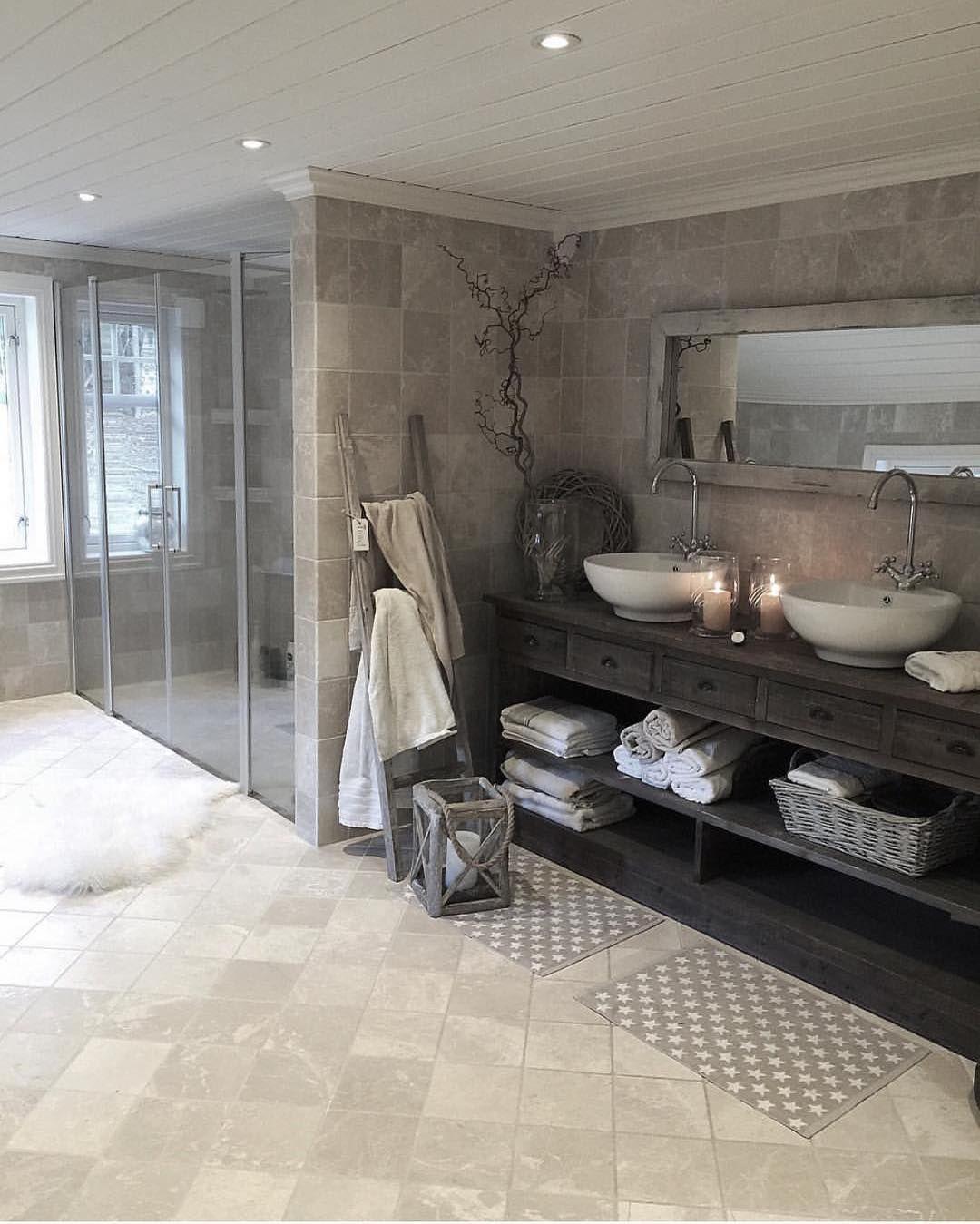 """Photo of Vibeke J Dyremyhr på Instagram: """"Fant dette fantastiske badet på y @your_interior_inspiration Cred: @husetpaanordseth #bathroom #bathroomdesign #salledebain # badrum…"""""""