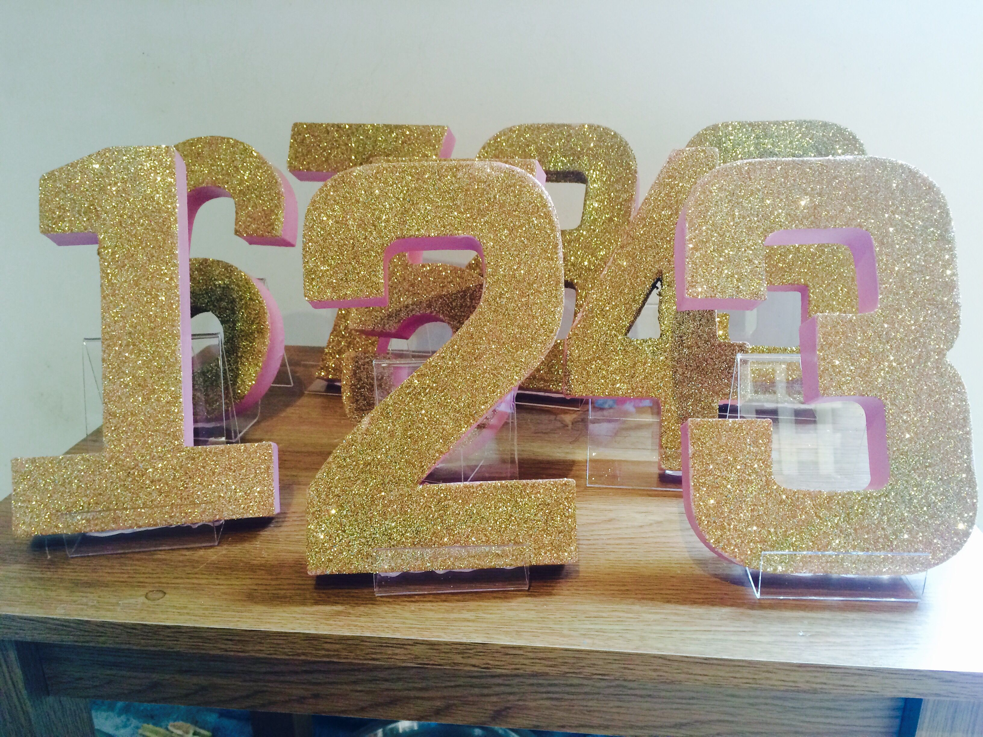 Pink gold diy wedding table numbers glitter wedding for Glitter numbers for centerpieces