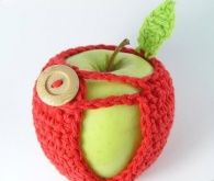 I NEED THIS ! I always throws apples in my purse