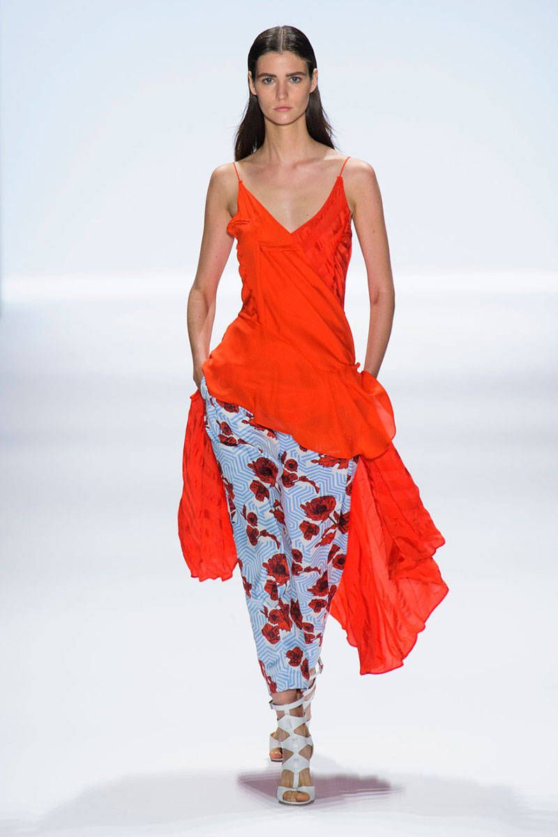 Flower pants are in this spring #orange #flowerprint