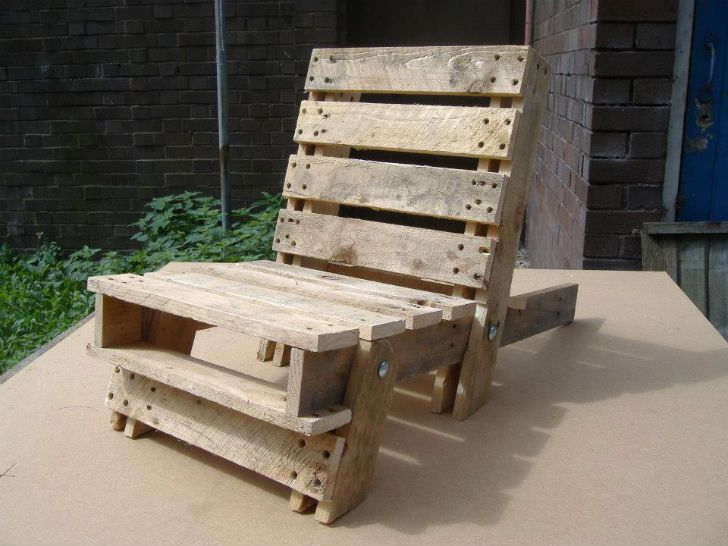 help save unwanted pallets by giving them new lives as chairs or rh pinterest co uk