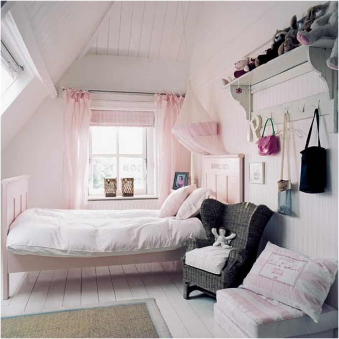 White bedroom with some pink and grey
