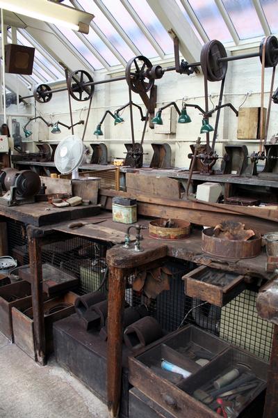 Museum Of The Jewellery Quarter In Birmingham Jewellery Quarter Antique Tools Artist Workspace