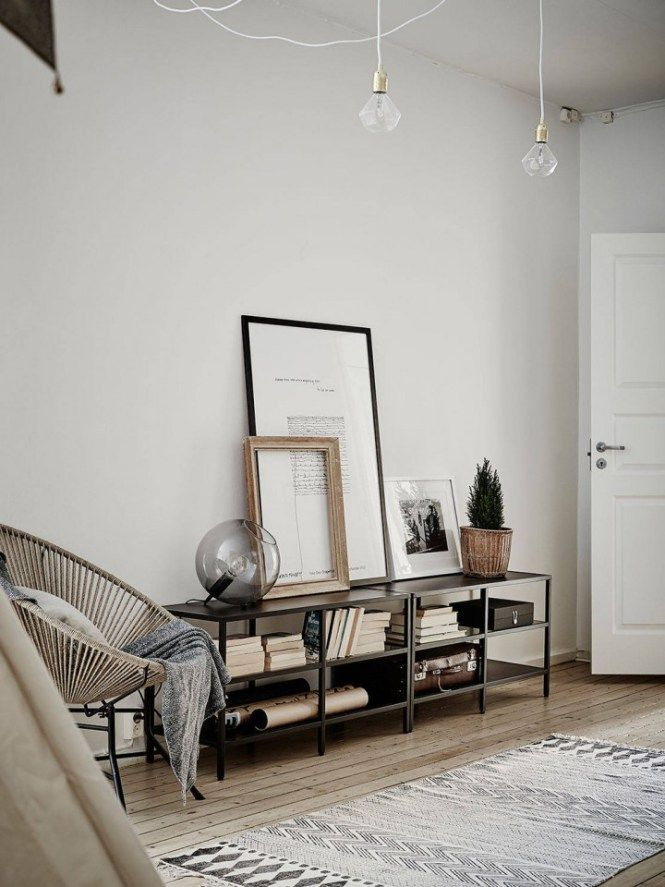 Is your small foyer discouraging you to