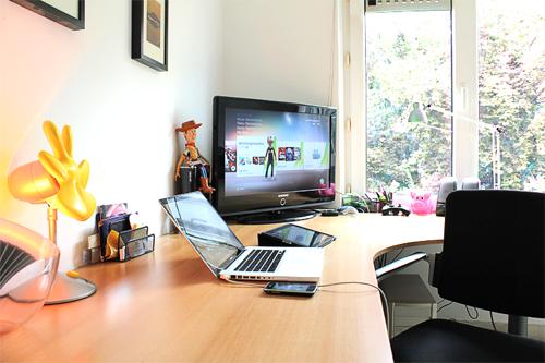 office simple big desk love it unisex dream office ideas rh pinterest com
