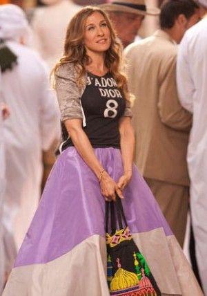 Carrie no mercado de temperos em Abu Dhabi. Sarah Jessica Parker 1c0d9ad450a