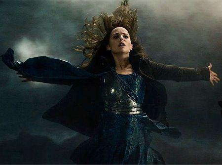 Jane Foster in Thor: The Dark World | The dark world, Marvel ...