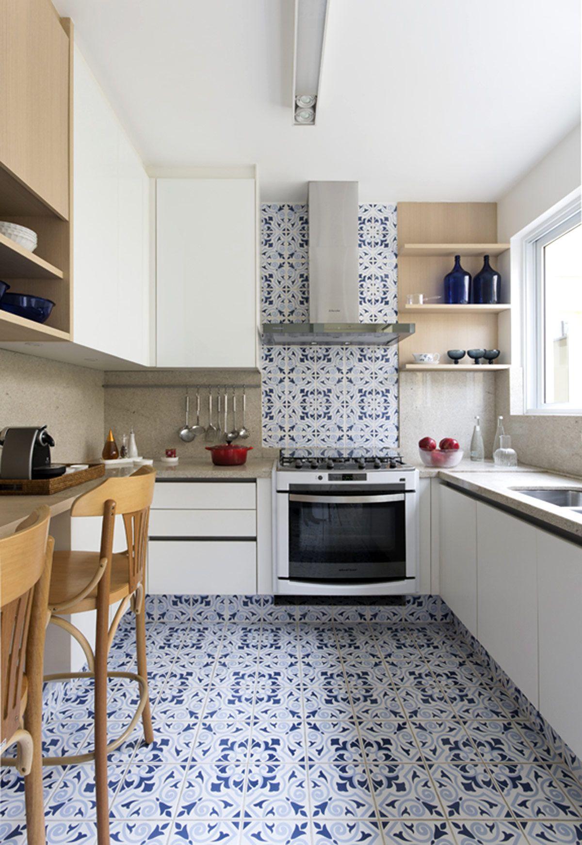Una cocina acogedora en Amarela Casa brasilea