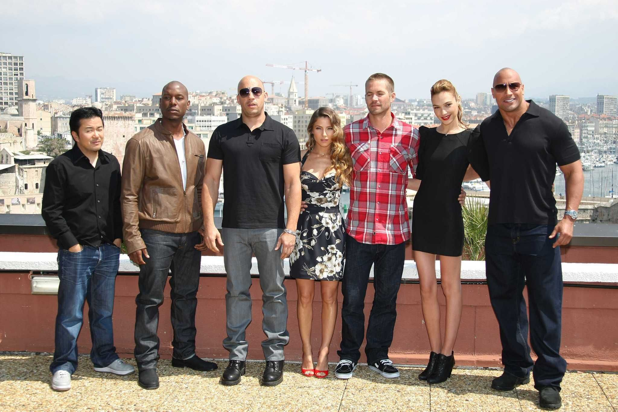 Review: 'Fast Five' re...