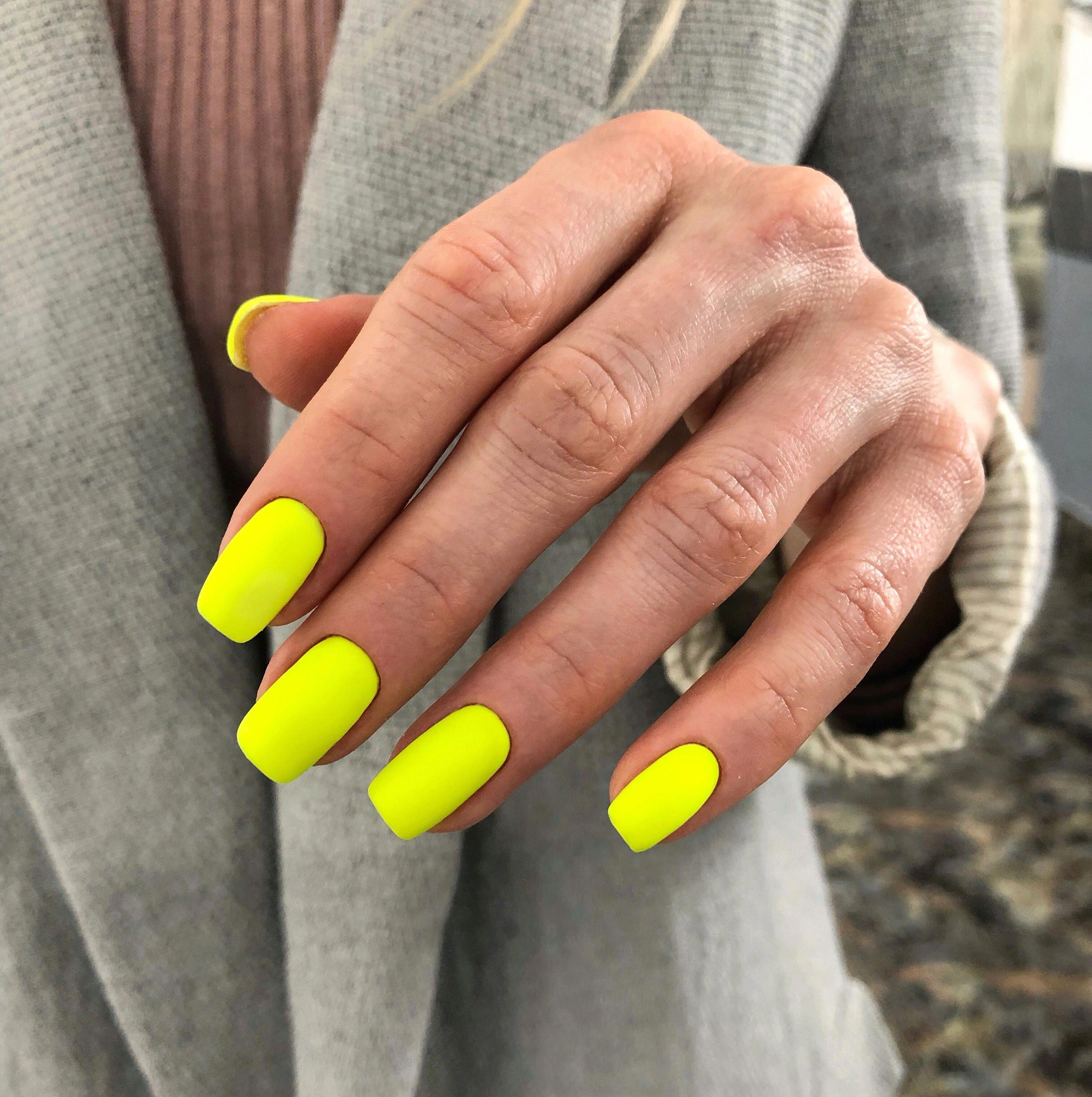 Zheltyj Neon Nogti Manikyur Neon Yarkij Cvet Yellownails V 2020 G