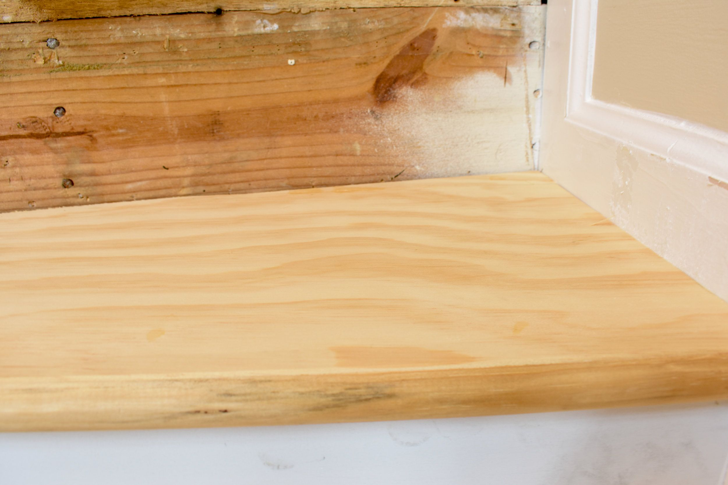 Diy Hardwood Staircase Makeover Replacing Carpet With Wood Treads | Carpet Landing Wooden Stairs | Patterned | Builder Grade | Light Wood | Red Oak Wood | Hardwood