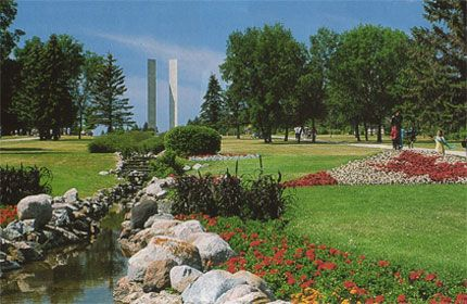 We visited the International Peace Gardens when we crossed from North Dakota into Canada the first time.