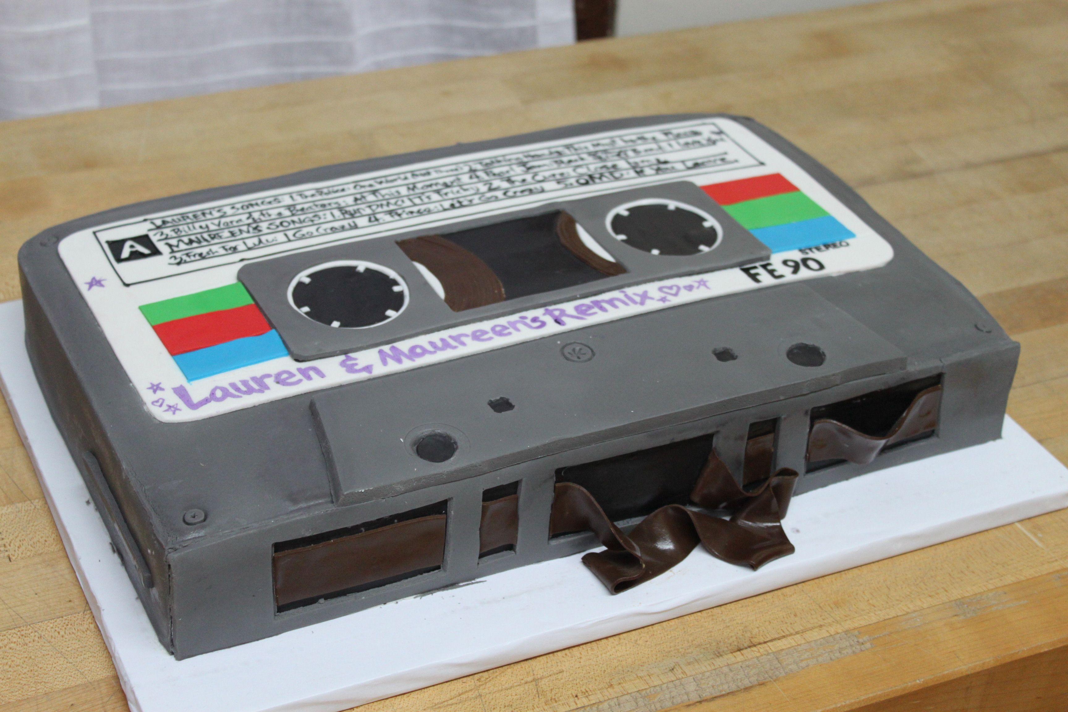 Music cake in 2019   Music birthday cakes, Music themed ...