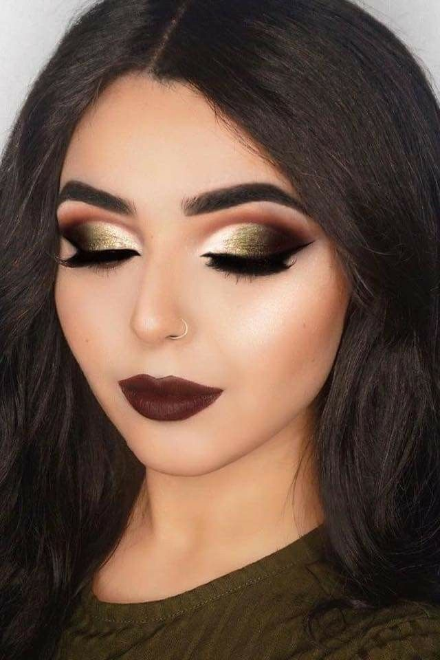 Como maquillarse para un vestido negro y dorado