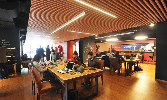 Banco santander lanza su nuevo modelo de sucursales work for Oficinas banco santander las palmas