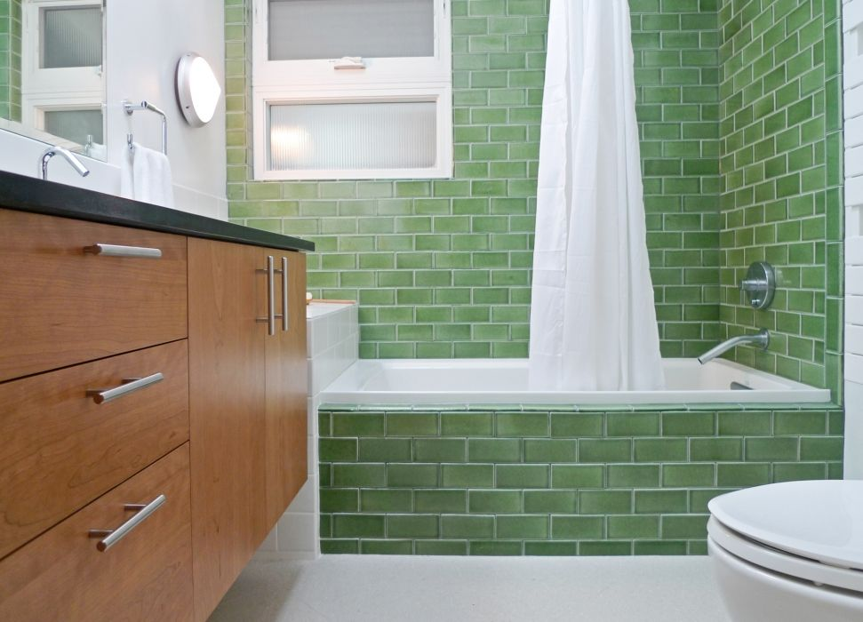 This colorful bathroom puts a fresh new