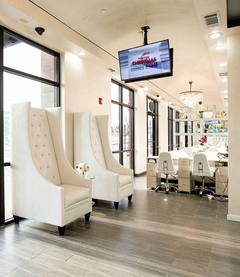 Waiting Area Chairs at Treat Your Nails Salon on Buford Highway ...