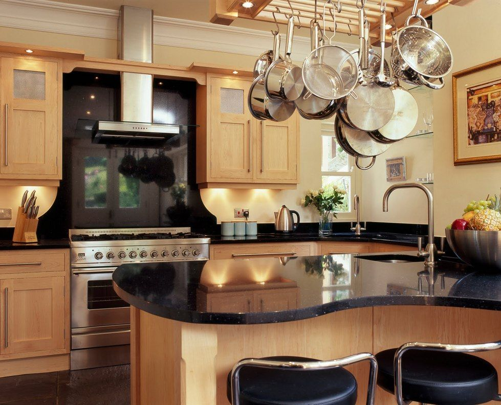 Fitted Kitechen in UK.. finest kitchen store in uk... just