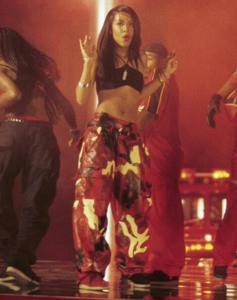 "Aaliyah Dana Haughton ""Hot like Fire"""