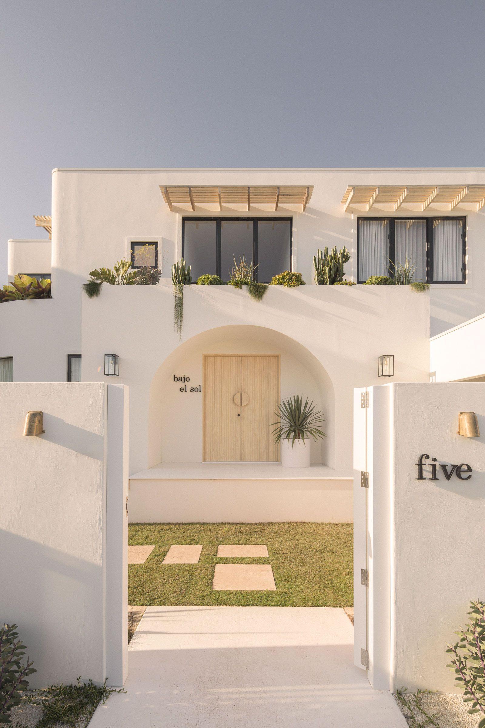 Bajo El Sol Beach House by Kelle Howard - Project Feature - The Local Project - The Local Project