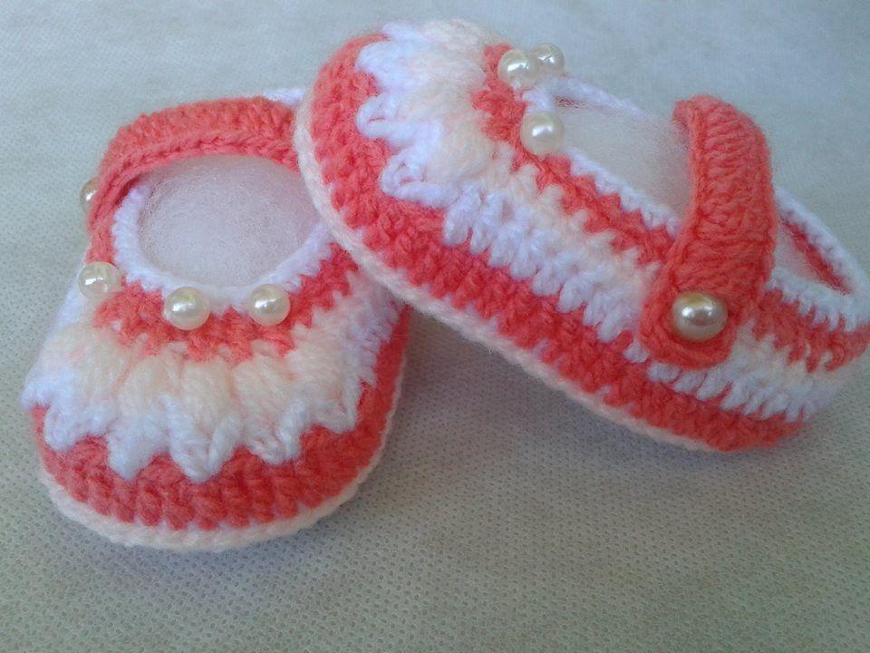 Sapatilha de menina - Alegria confeccionada com lã fina antialérgica com 3  cores  Laranja a144f40afd5