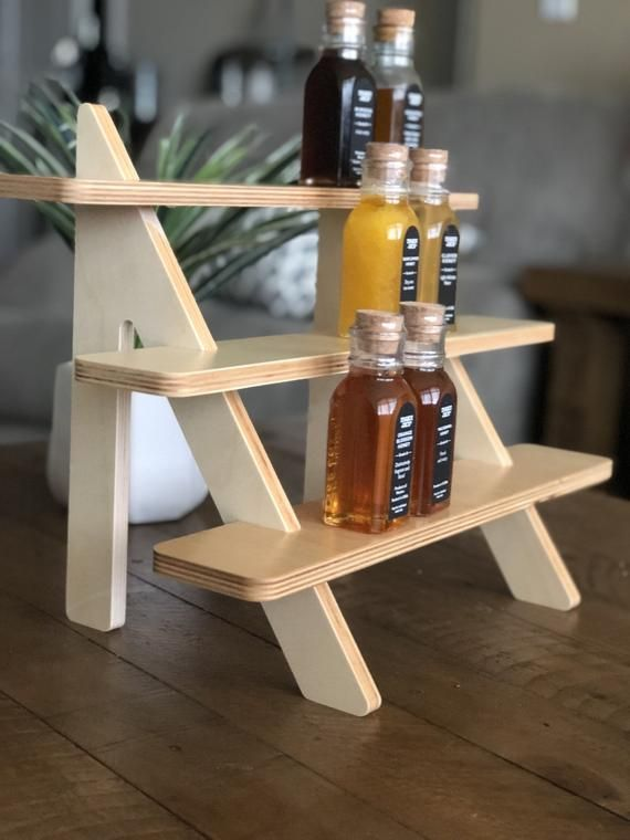 The PLAIN 3-Tiered Wooden/ shelf tiered stand cupcake /vendo…