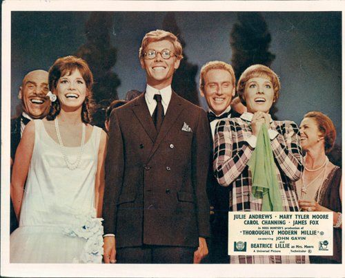 Thoroughly Modern Millie Lobby Card Julie Andrews James Fox Mary Tyler Moore At Amazon S Entertainment Coll Julie Andrews Mary Tyler Moore Julie Andrews Movies