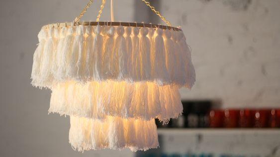 Lampadario Camera Da Letto Fai Da Te : Diy tassel chandelier tassels pom poms fai da te