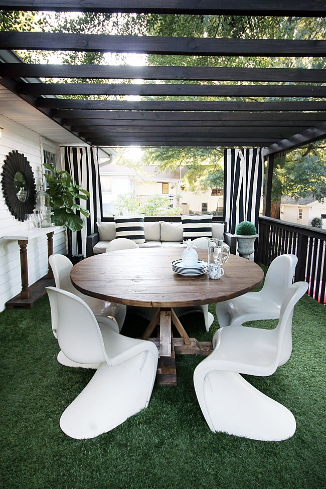Black And White Astroturf Patio By Hunted Interior