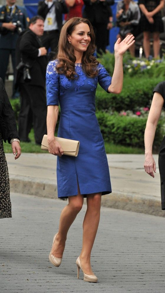 a562883063ee8 Kate Middleton in Blue Dress | Clothing | Vestidos, Roupas chique e ...
