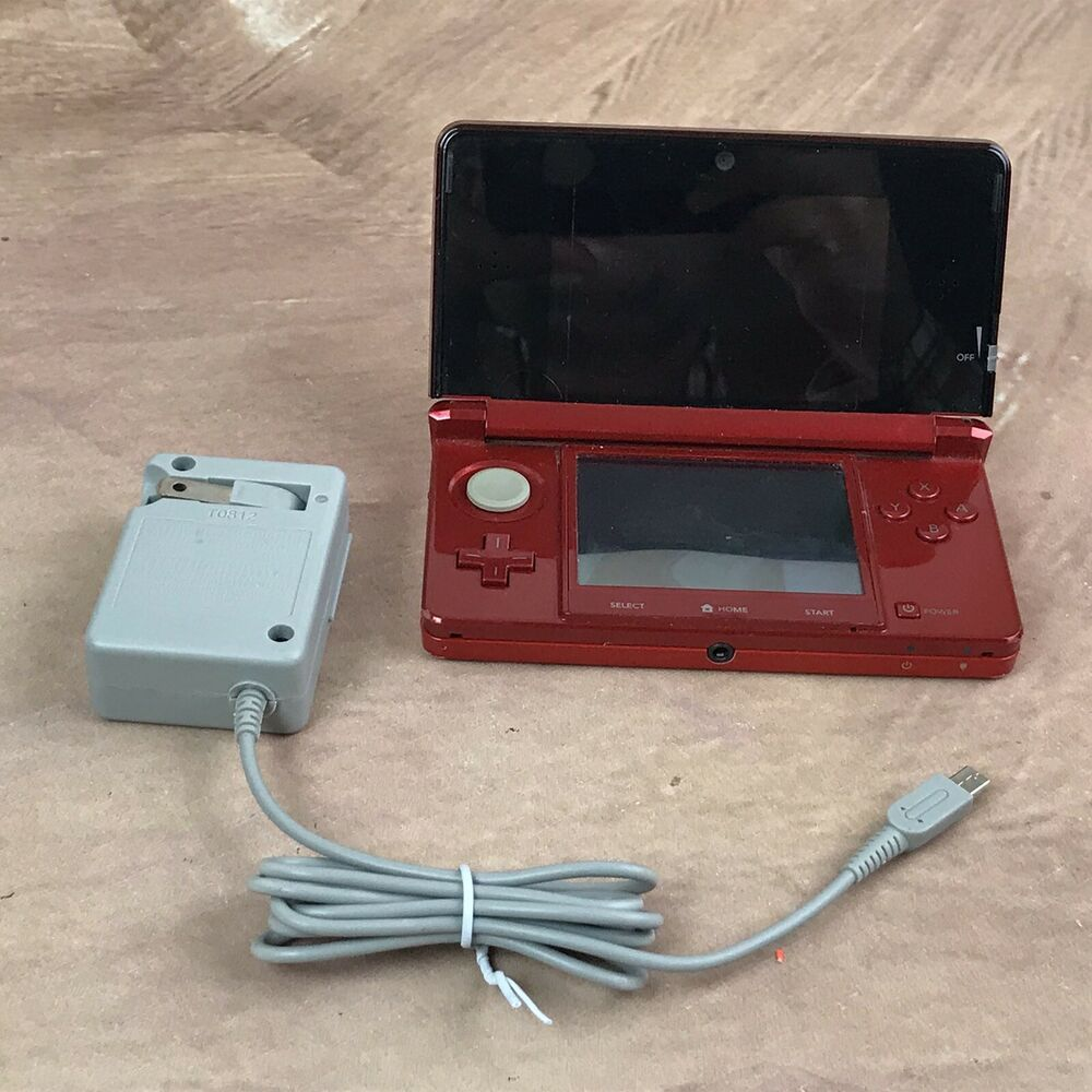Nintendo 3DS Handheld Video Game System Console CTR001