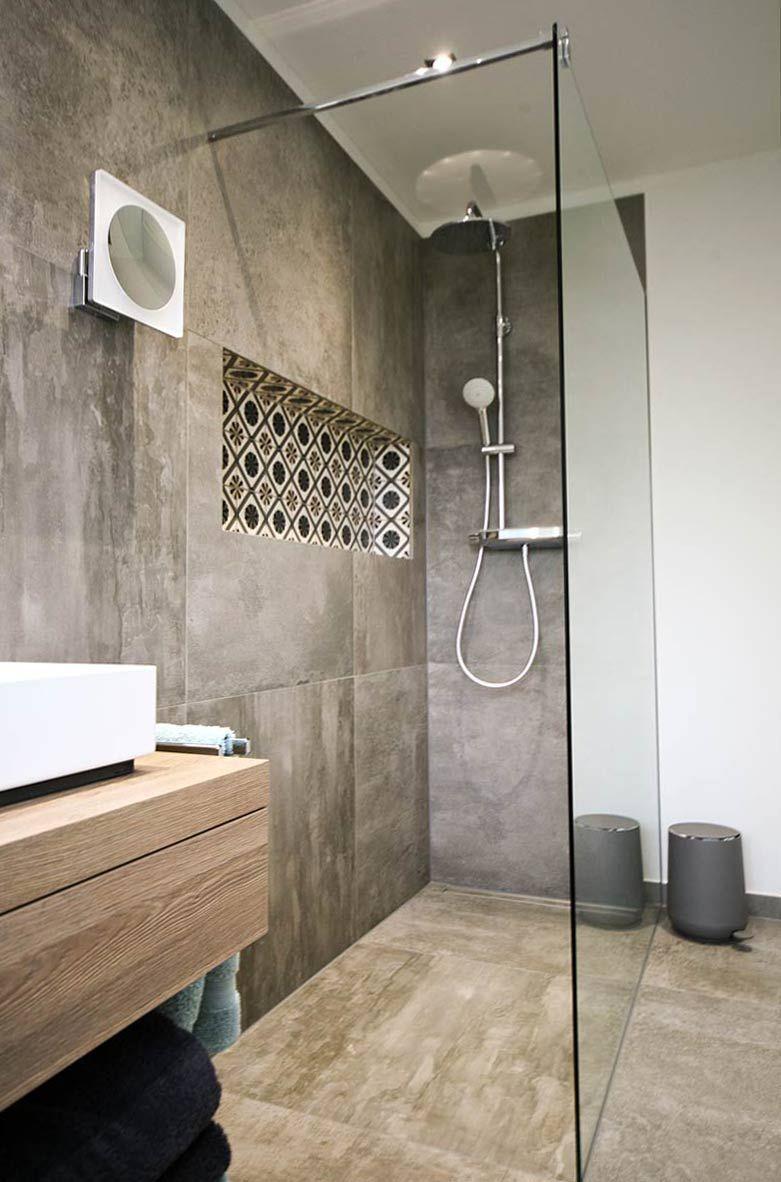 Walk In Duschen In Top Design 15 Beispiele Die Beeindrucken In 2020 Duscharmatur Walk In Dusche Glastrennwand