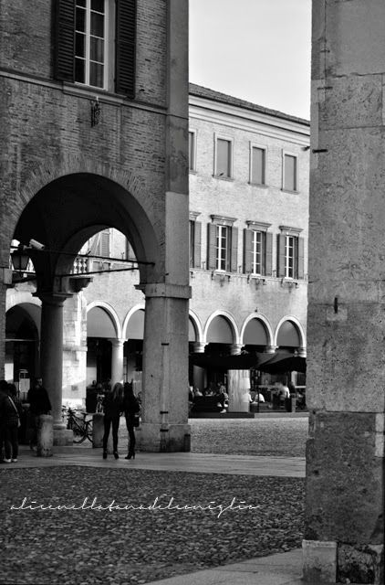 ... per quelle di Modena ... la Tana del Coniglio: Modena