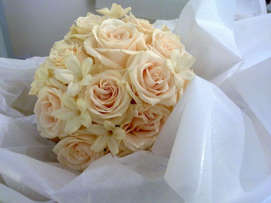 Bouquet Sposa Con Zagare.Rose E E Fiori Di Zagare Fioristi Fiori E Eventi
