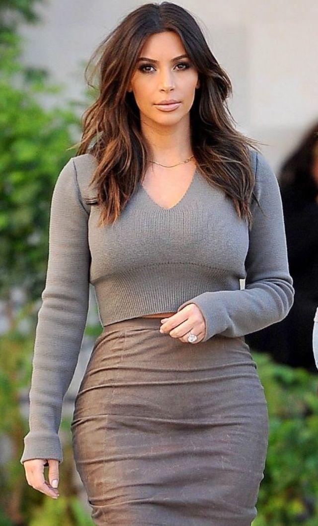 Pin By Rochelle Colindres On Kim Kay Kim Kardashian Short Hair Kim Kardashian Hair Mid Length Hair