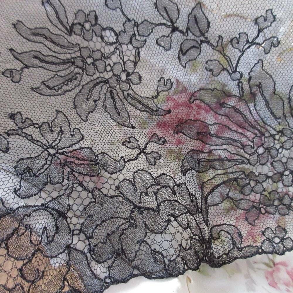 "Ruffled Lace  2 1//2/"" Black Floral 18 Yard Bolt"