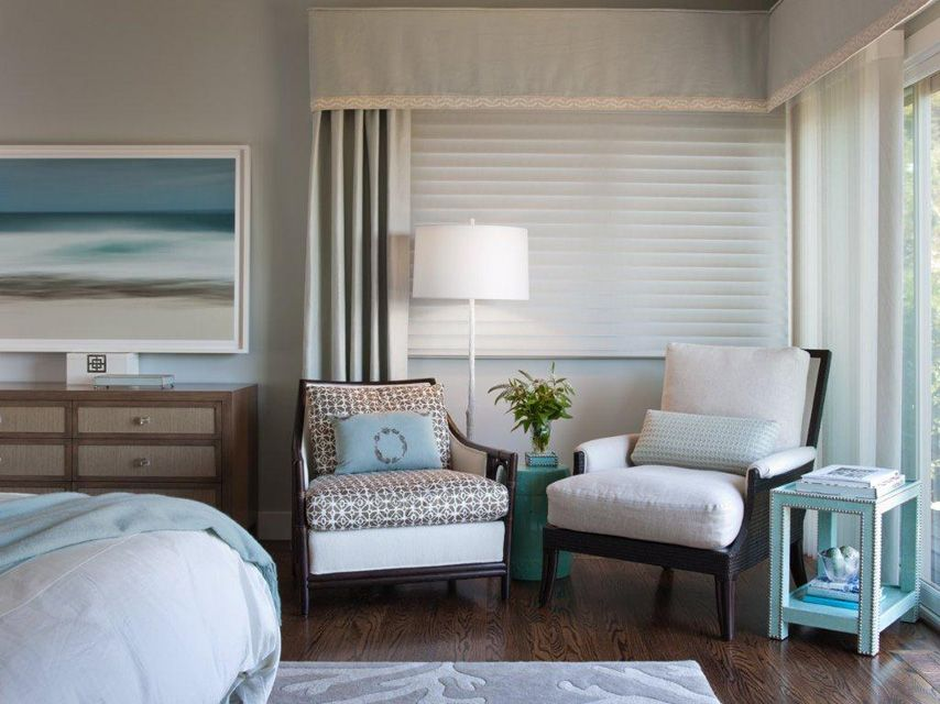 Master Bedroom with Blue Painting LOVE this