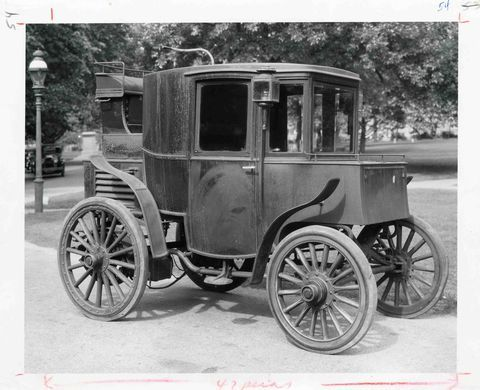Riker Electric Automobile 1900