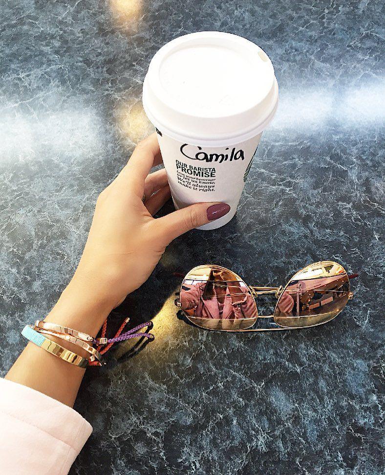 Waiting! #coffee  Esperando! Super animada para essa viagem! by camilacoelho