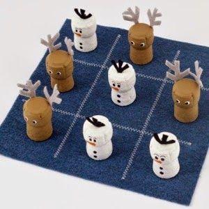 Cómo hacer un juego de las 3 en raya. El juego de las 3 en raya es uno de los clásicos que nunca pasan de moda. Aquí vemos algunas versiones con material reciclado.