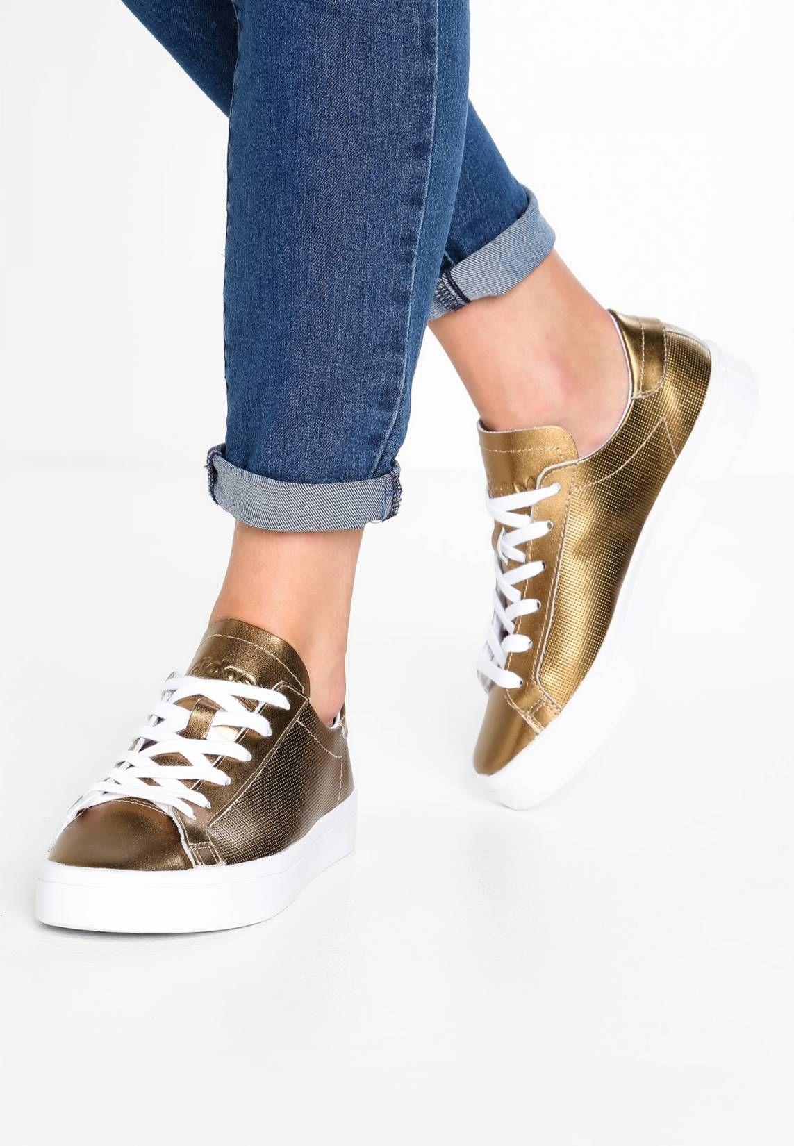 pretty nice 6eeba 83704 adidas Originals. COURTVANTAGE - Sneakers basse - white. Fodera senza  imbottitura. Chiusura