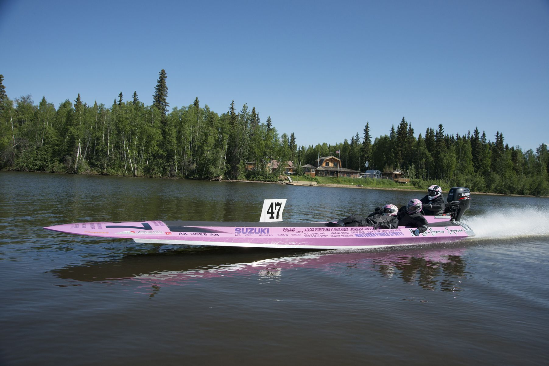 Alaska Major Cities Map%0A The Yukon      a speed boat race that begins in Fairbanks  Alaska pushes  drivers