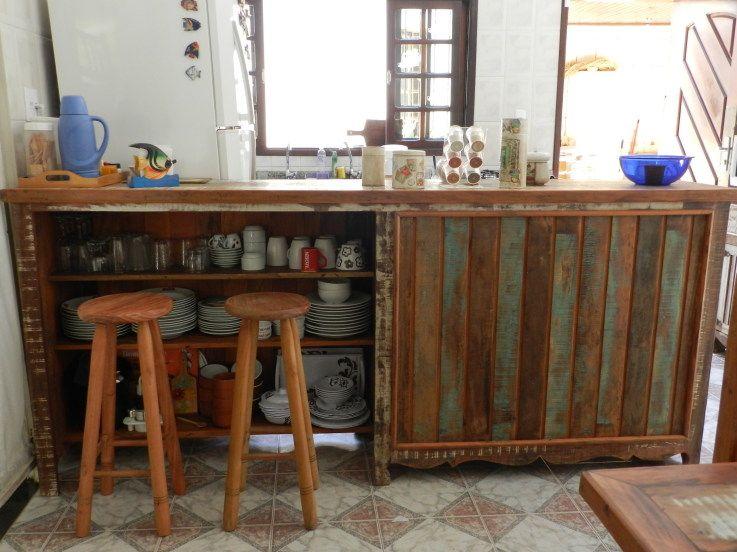 Balcao Antigo Ou Com Madeira De Demolicao E Utilizado Para
