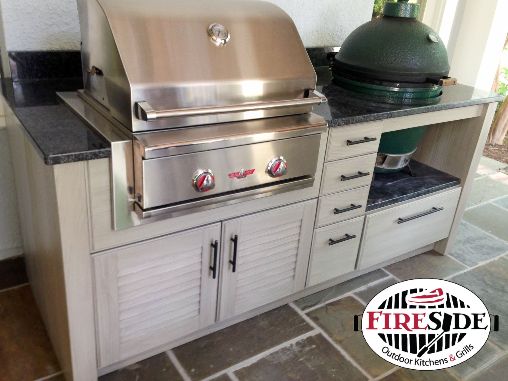 Naturekast Cabinetry Delta Heat Gas Grill 26 Green Egg