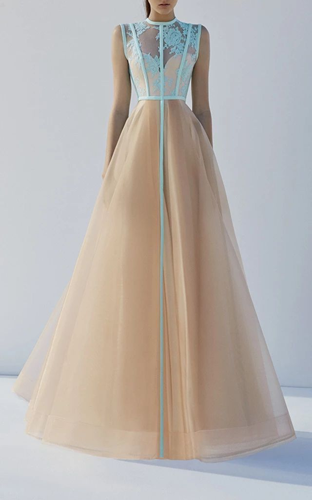 Pretty long gown | Women\'s Fashion | Pinterest | Gowns, Clothes and Prom